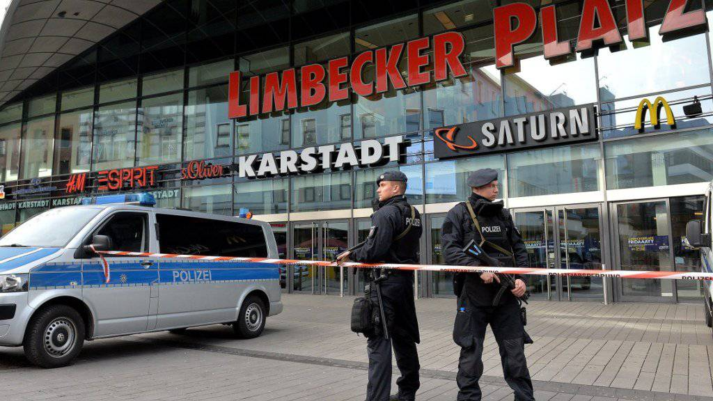 Abgesperrtes Einkaufszentrum Limbecker Platz