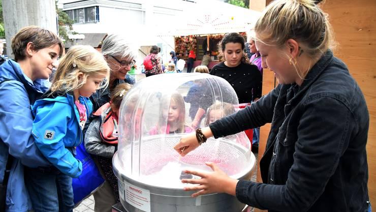 Das Oberengstringer Dorfplatzfest bietet kulinarische Highlights.