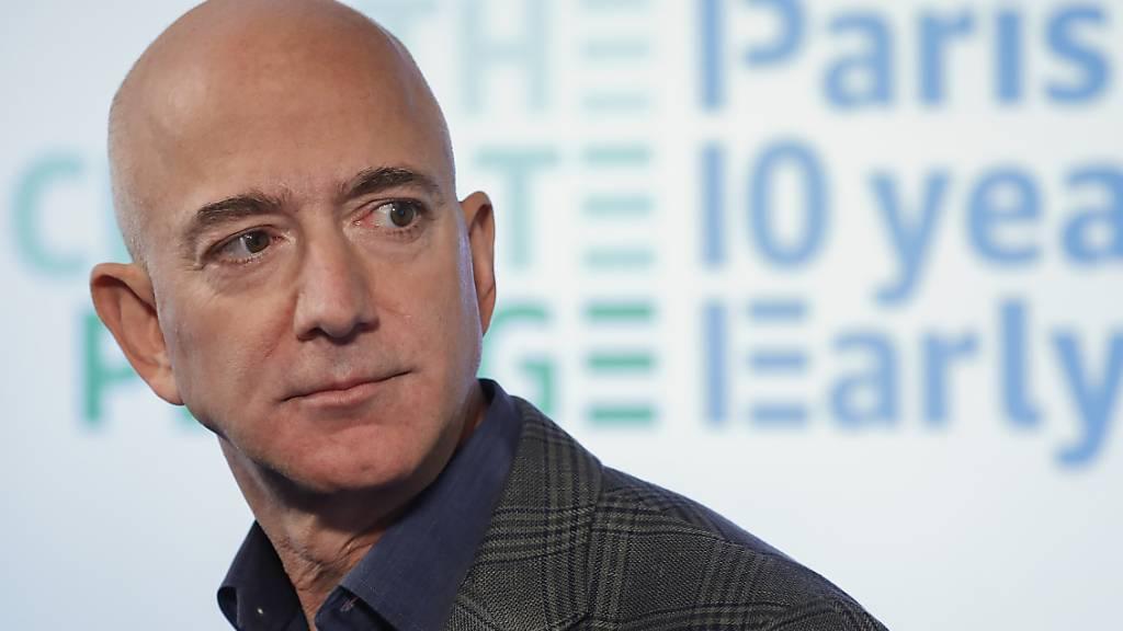 Bezos verkauft Amazon-Aktien für fast 2 Milliarden Dollar