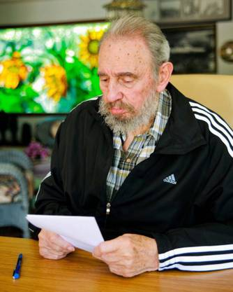 Der bald 85-jährige Castro werde 140 Jahre leben, sagte sein früherer Arzt Eugenio Selman-Housein zum Auftakt einer dreitägigen internationalen Tagung in Havanna.