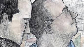 Fabrice A. (rechts), der Mörder von Adeline, akzeptiert sein Urteil. Er hat nun eine lebenslängliche Freiheitsstrafe und eine ordentlichen Verwahrung zu verbüssen. (Archivbild)