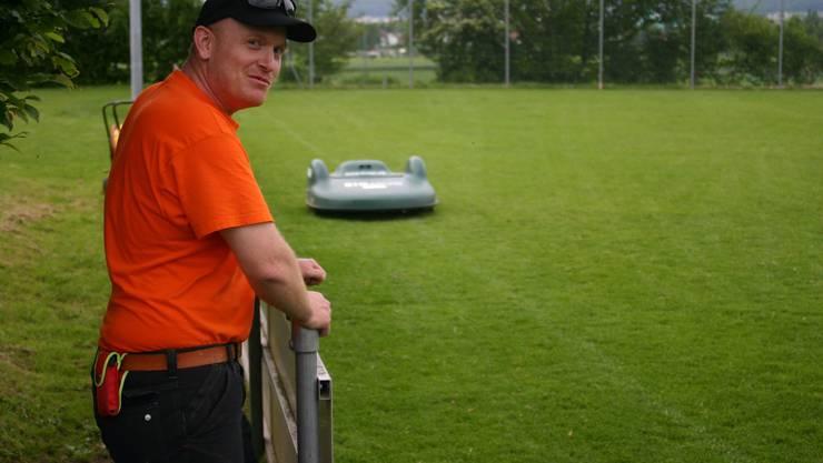 Ist vom Gerät überzeugt: Werkhofleiter Philipp Frei