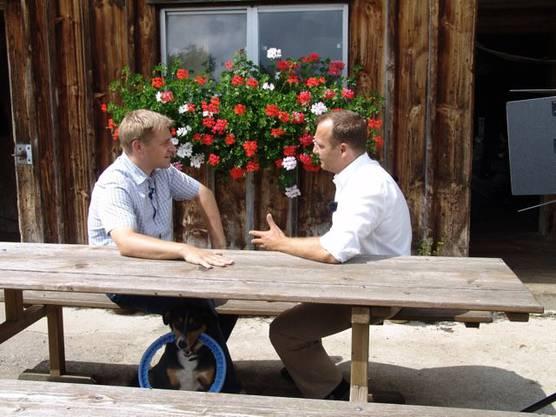 Thomas Matter (rechts) im Gespräch mit SVP-Präsident Toni Brunner.