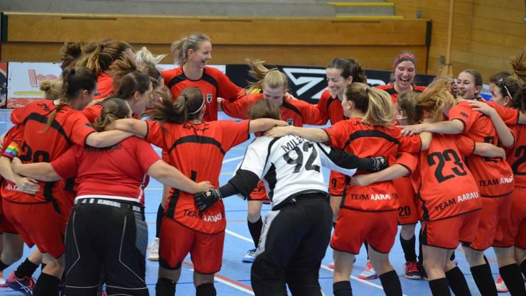 Kommen derzeit nicht aus dem Feiern heraus: Die Damen I des Team Aarau.