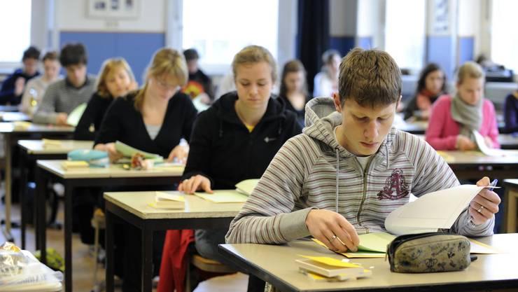 Soll für die Mittelschüler am Untergymnasium der Präsenzunterricht schon am 11. Mai beginnen? Die Bildungsdirektion findet, nein. (Symbolbild)