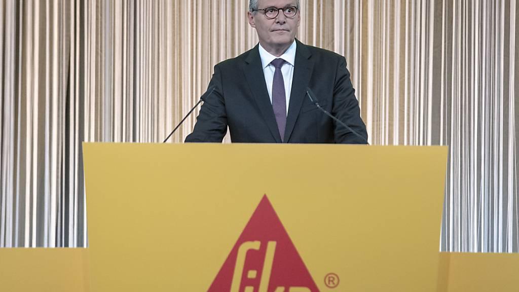 Der Verwaltungsratspräsident von Sika, Paul Johann Hälg, blickt auf anspruchsvolle  Monate wegen der Coronakrise zurück. (Archivbild)