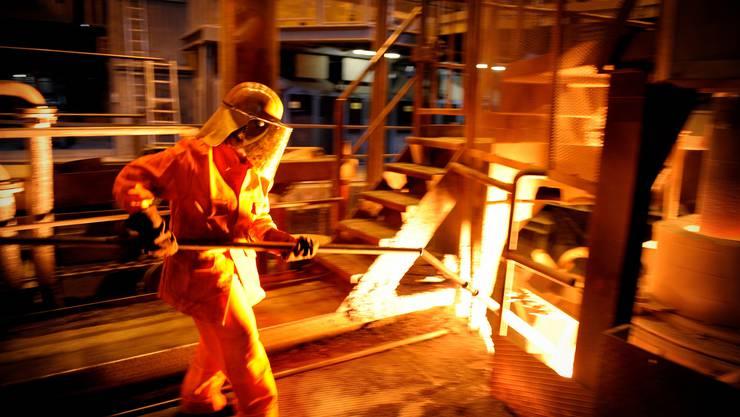 Wie geht es weiter im Stahlwerk von Schmolz+Bickenbach in Emmenbrücke? Am Montag findet eine ausserordentliche Generalversammlung statt.