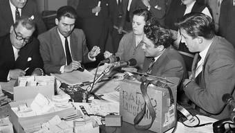 """Die """"Glückskette"""" entstand vor siebzig Jahren aus einer Sendung des Westschweizer Radios """"Sottens""""."""