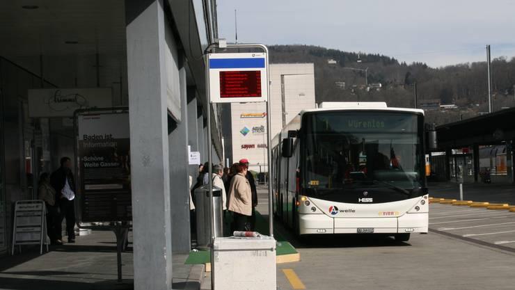 Busse verkehren über die Ersatzhaltestelle beim Langhaus.