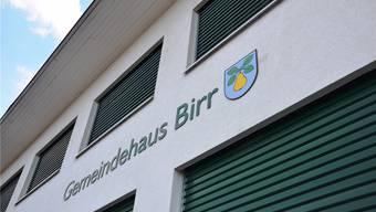 Der Sparhebel wird in der Gemeinde Birr an verschiedenen Orten angesetzt, unter anderem auch bei der Verwaltung im Gemeindehaus. mhu