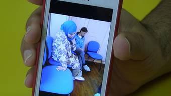 Ein Handybild, das Suha J. während der Rückschaffung durch Beamte des Schweizer Grenzwachtkorps zeigen soll