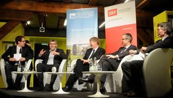 Engagiert: Moderator Patrick Künzle, Eric Nussbaumer, Gerhard Schafroth, Thomas Weber sowie Moderator Dieter Kohler (v.l.).