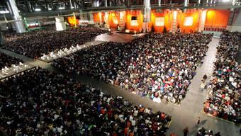 An den Taizé-Jugendtreffen nehmen bis zu 15'000 Jugendliche teil; im Bild das Treffen von 2007 in Genf.