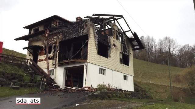 Frau stirbt bei Brand eines Zweifamilienhauses in Schachen LU
