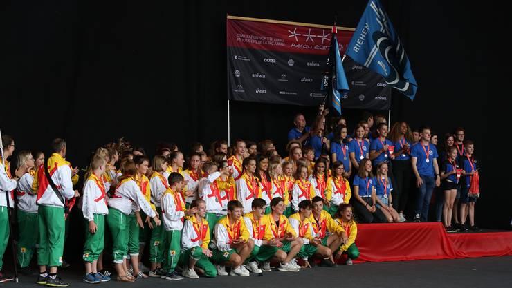 Die Jugend des TV Riehen triumphiert sechs Jahre nach dem Sieg in Biel auch in Aarau.