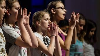 Jugendchor Seetal singt und schwitzt vor grossem Auftritt