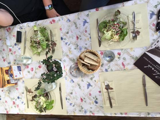 Mittagessen gibt's heute beim Gasthaus Bären in Bözen.