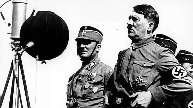 Adolf Hitler herrschte von 1933 bis 1945 in Deutschland.