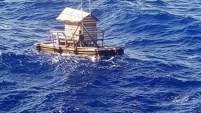 Der junge Mann wurde rund 2500 Kilometer entfernt in Gewässern vor der Küste Guams gefunden.