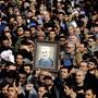 Am Trauermarsch für den getöteten iranischen Elite-General Ghassem Soleimani und den irakischen Milizenführer Abu Mehdi al-Muhandis haben Tausende Iraker teilgenommen. Sie skandierten «Tod für Amerika».