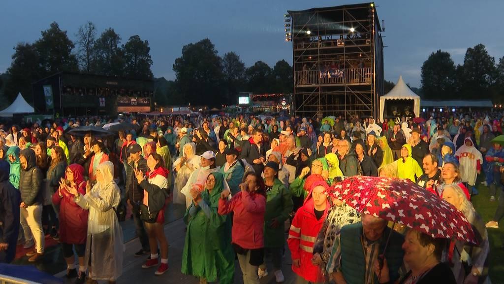 2800 Schlagerfans feierten auf dem Heitere das Open Air in Zofingen