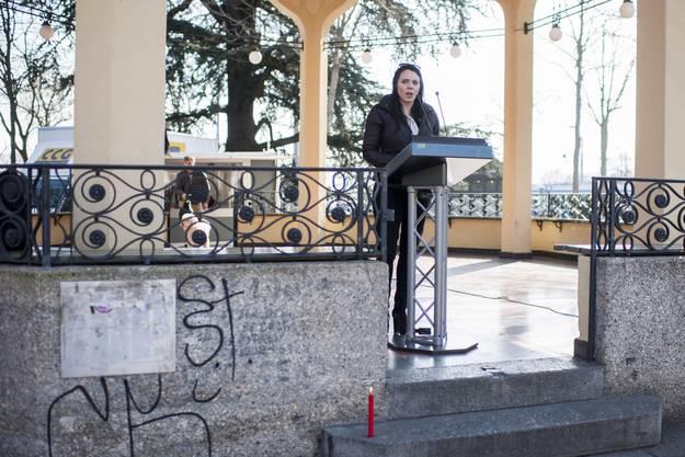 Schrifstellerin Zoe Jenny wohnt mittlerweile in Wien weil sie über längere Zeit Probleme mit er Kinder- und Erwachsenenschutzbehörde hatte.