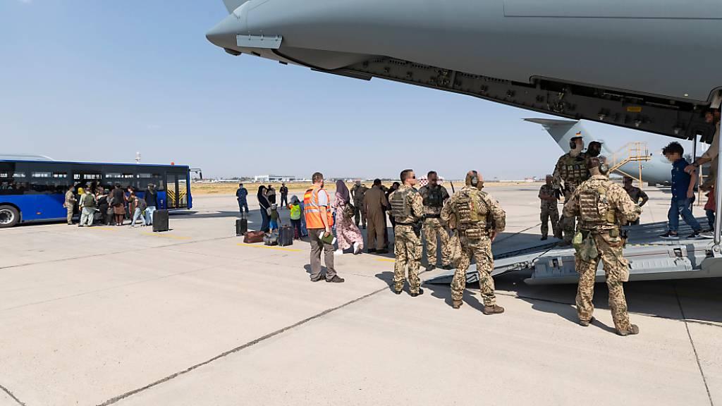 Letzte geplante Rettungsflüge der Bundeswehr in Kabul gestartet