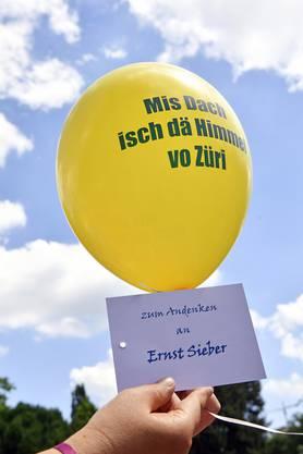 «Mis Dach isch de Himmel vo Züri». Es handelt sich dabei um eine Zeile aus dem Lieblingslied von Pfarrer Ernst Sieber.