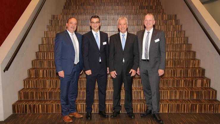 von links: Dr. Markus Dieth (Regierungsrat), Pascal Johner (Geschäftsführer),  Martin Kummer (Präsident) und Stephan Attiger (Landammann).