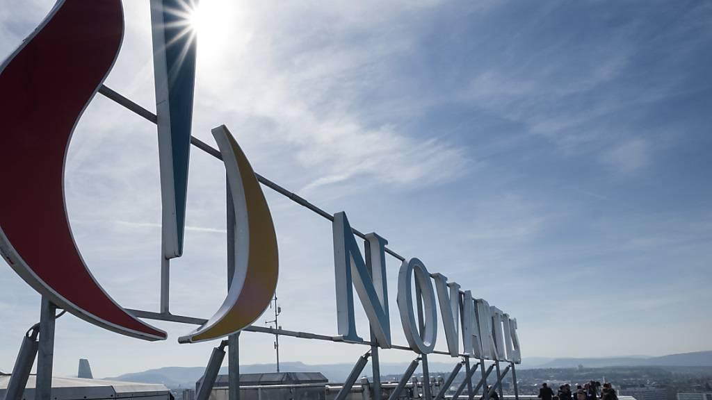 Der Pharmakonzern Novartis erhöht die Löhne für die Mitarbeiter in den Basel- und Rheintalwerken per März 2021 um durchschnittlich 0,8 Prozent. (Archivbild)