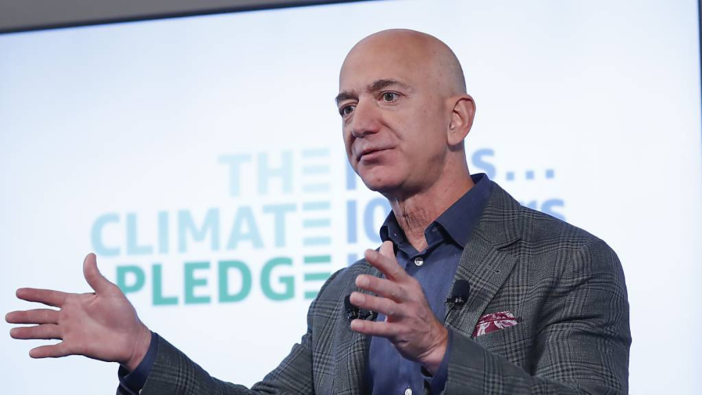 Jeff Bezos setzt bei der Eroberung des Weltalls für seine Geschäfte auf Kooperationen mit anderen Firmen. (Archivbild)
