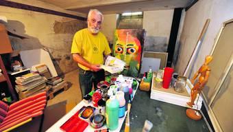 Atelier: Im stillgelegten Bahnhof in Rüti ist Fritz Rechsteiner auch künstlerisch tätig. (Oliver Menge)