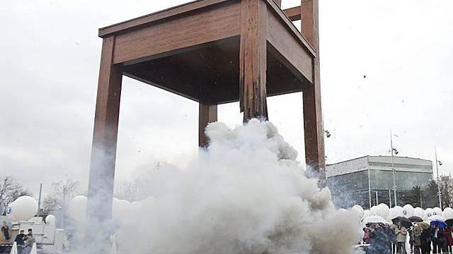 Stuhl als Symbol für Minenopfer