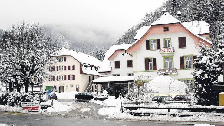 Das Gasthaus St. Joseph (rechts) und das Zentrum Mühlehof