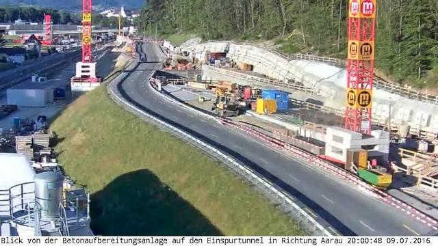 Eppenberg-Webcam 2 im Zeitraffer: Blick von der Betonaufbereitungsanlage auf den Einspurtunnel in Richtung Aarau