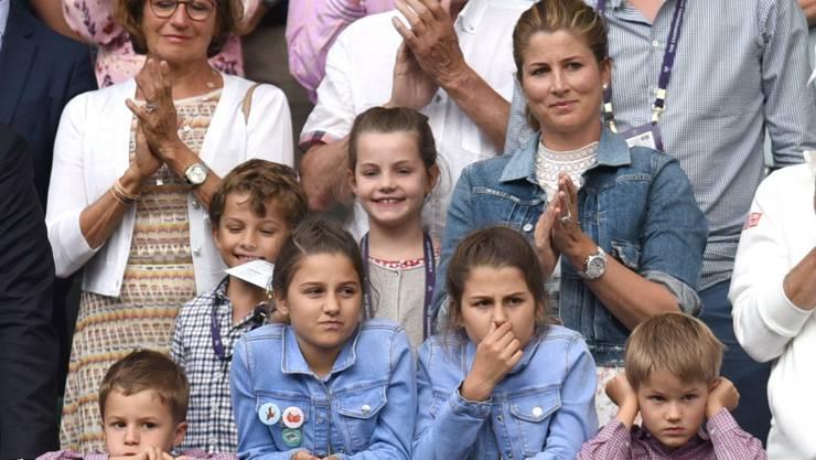 Betretene Gesichter in der Box von Roger Federer nach dem dramatisch verlorenen Wimbledon-Final. Auch bei seinen vier Kindern.