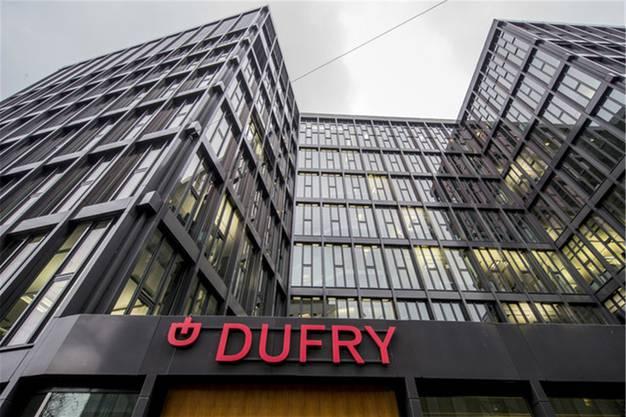 Im August 2017 wurde bekannt, dass die HNA Gruppe 21 Prozent von Dufry kaufte. Dufry mit Sitz in Basel betreibt weltweit Duty-free-Läden an Flughäfen oder auch in Seehäfen. Der Wert der Beteiligung beträgt rund 1,6 Milliarden Franken.