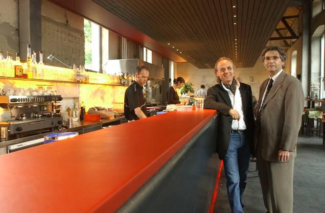 Im Mai 2002 freuen sich Gudo Kummer und Jürg A. Pfluger über das neu eröffnete Solheure