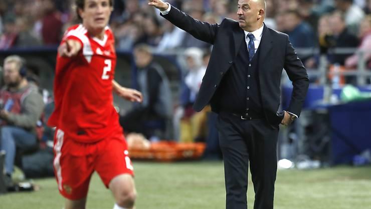 Russland-Coach Stanislaw Tschertschessow hat auch im letzten Test vor der WM einiges zu korrigieren