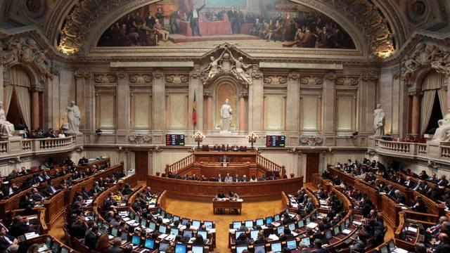 Blick ins portugiesische Parlament: Der EU-Haushaltspakt ist ratifiziert (Archiv)