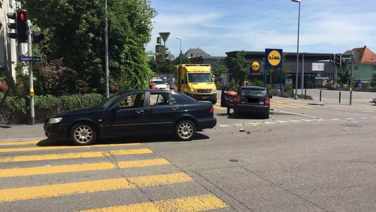 Die beiden Autos stiessen auf der Kappelstrasse zusammen.