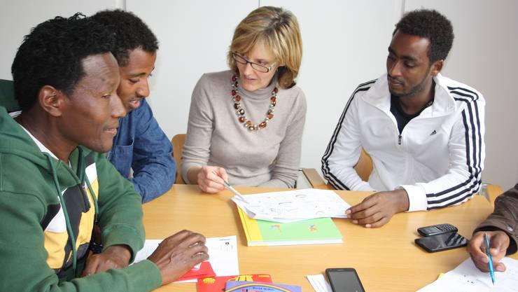 Jeden Samstag bietet das Café Contact eine Begegnungszone für Anwohner und Flüchtlinge