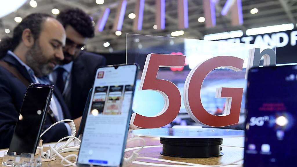 Neuer Mobilfunkstandard: Swisscom und Sunrise wetteifern seit Monaten, wer beim Ausbau des 5G-Netzes schneller vorankommt.