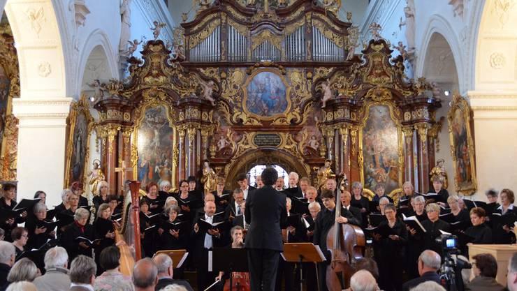 Bei seinem Einstand gab sich der neue Dirigent Jonas Ehrler noch etwas zurückhaltend, dafür strahlte sein Dirigat sehr viel Sicherheit aus.vera frey