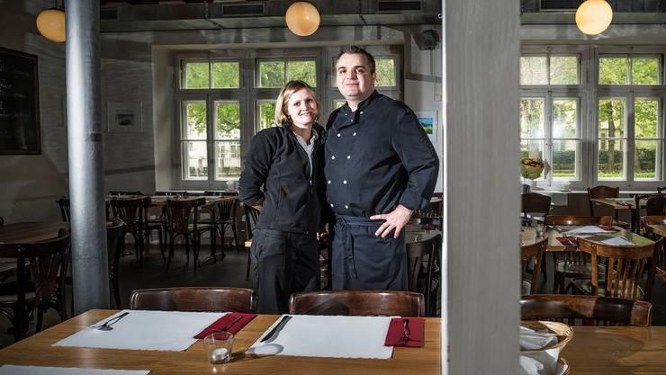 Mireille Stettler (Chef de Service) und Küchenchef Zeljko Cuic vom Restaurant L'Ecluse, Schüsspromenade 14d, 2500 Biel. Tel. 032 322 18 40, www.restaurant-ecluse.ch. Geöffnet: Di–Sa, 10–23.30. So/Mo geschlossen.