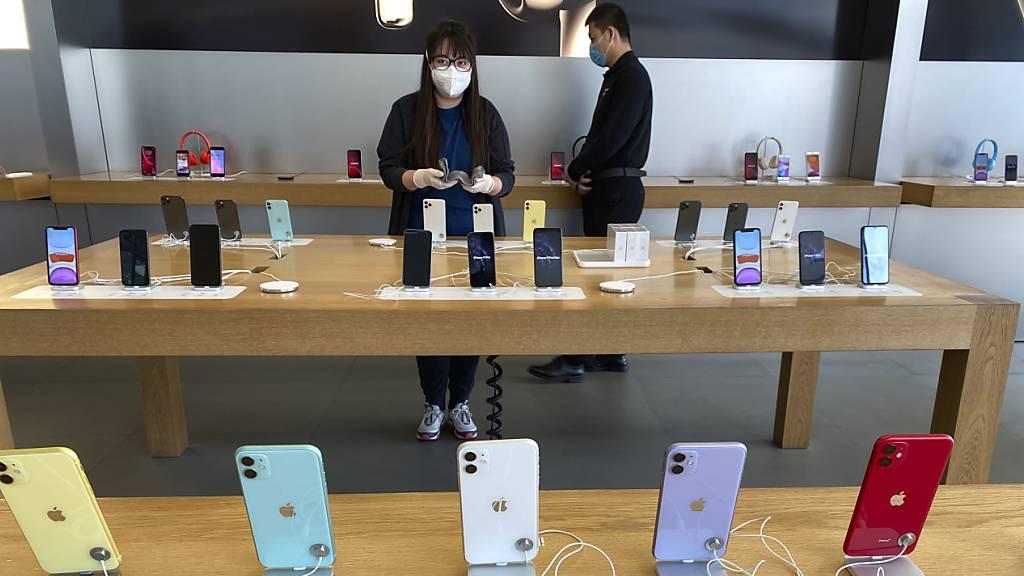 Einbruch beim iPhone-Verkauf: Die Reiseeinschränkungen wegen des Coronavirus in China bereiten dem Detailhandel grosse Probleme. (Symbolbild)