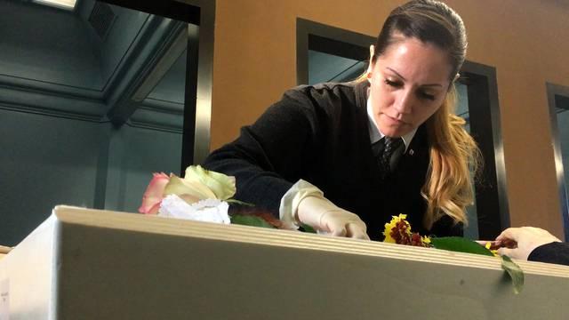 Jennifer Diener bei der Arbeit.