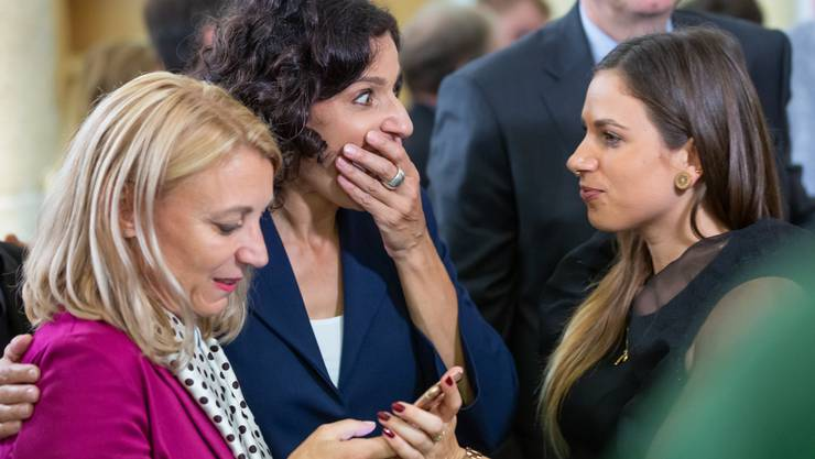 Grosse Emotionen: Gabriela Suter (SP) erfährt, dass sie in den Nationalrat gewählt wurde.