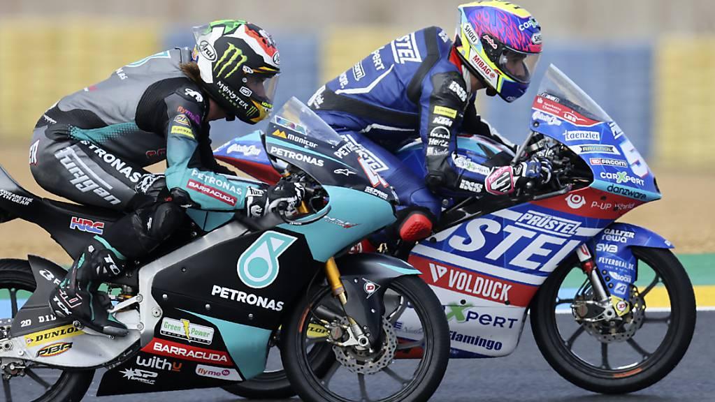 Viele attraktive Zweikämpfe: Jason Dupasquier (hinten) fährt in Le Mans auf den 13. Platz, der Südafrikaner Darryn Binder stürzt