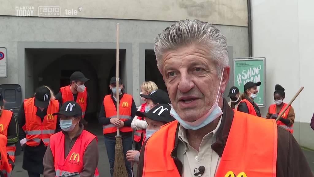 Abfall sammeln statt Burger braten – McDonald's Luzern packt an